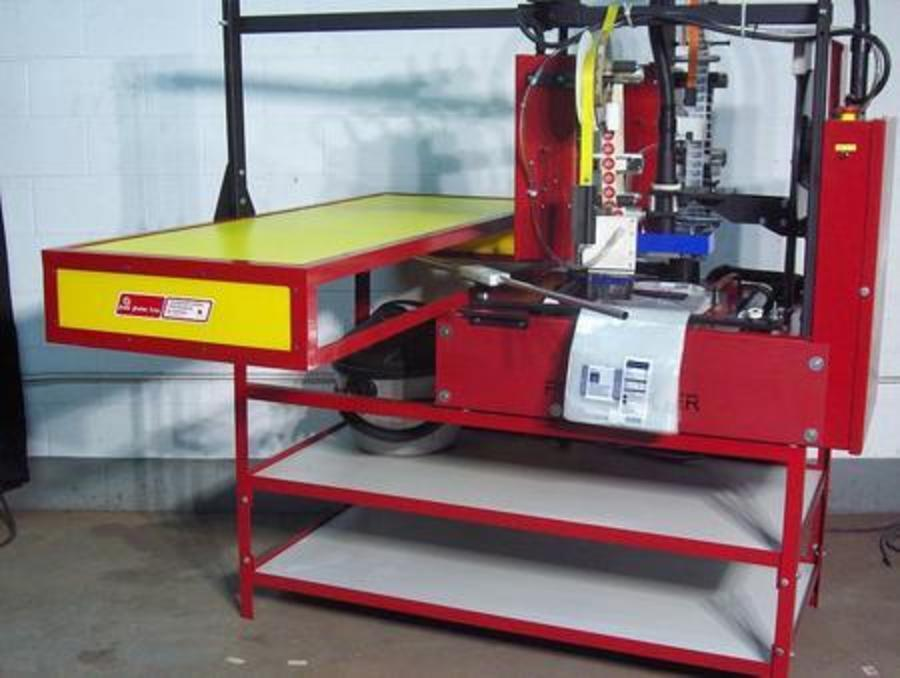 Wicketed bag/sleeve labeling machine-3